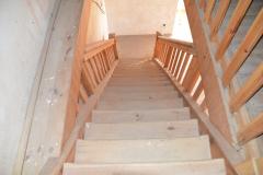 schody-na-zameckou-vez